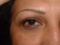 Eyebrow defining on a female with micropigmentation