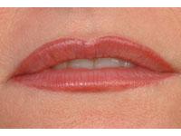 Full lip tint on a female